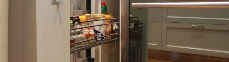dettaglio-sportello-scorrevole-cucina-classica-bianca - G&G ...